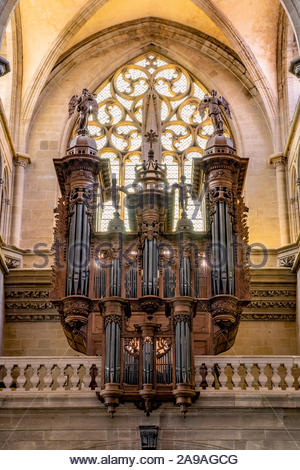 Saint-Antoine-l'Abbaye : the great organ in the abbey - Stock Photo