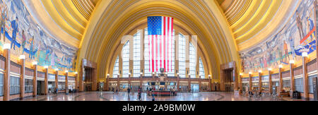 Main Hall in Union Station, Cincinnati, Ohio, USA. The station, a fine example of Art Deco architecture, is also a museum center. - Stock Photo