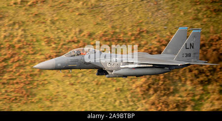 F-15E Strike Eagles 'Raider Flight', from the 48th Fighter Wing at RAF Lakenheath, low level  flying in the Mach Loop, LFA7, Snowdonia, Wales, UK. - Stock Photo