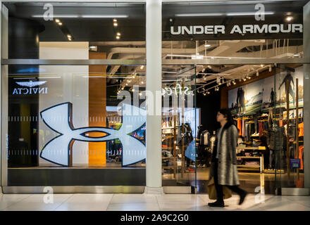 Simular Apoyarse Situación  An Under Armour clothing store in the World Trade Center Oculus shopping  mall in New York, NY Stock Photo - Alamy