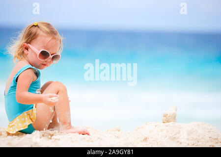 Malediven, Mutter und Tochter im Urlaub, - Stock Photo