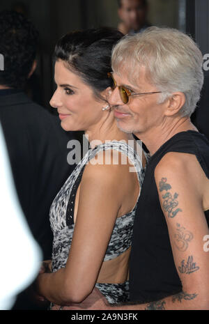 LOS ANGELES, CA - OCTOBER 26, 2015: Sandra Bullock & Billy Bob Thornton at the premiere of 'Our Brand is Crisis' at the TCL Chinese Theatre, Hollywood. © 2015 Paul Smith / Featureflash - Stock Photo