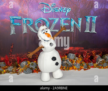 London, UK. 17th Nov, 2019. 'Olaf' attends the 'Frozen 2' European Premiere held at the BFI Southbank. Credit: Peter Manning/Alamy Live News - Stock Photo