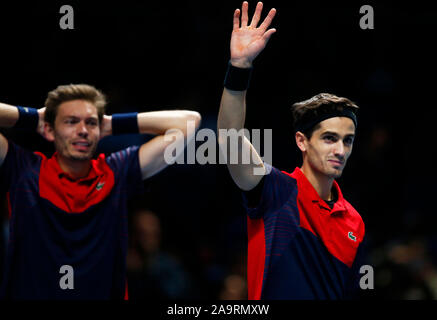 London, UK. 17th Nov 2019.  Pierre-Hughes Herbert and Nicolas Mahut celebrates they win during in action during Doubles Championship Final match Pierre-Hughes Herbert and Nicolas Mahut (FRA) against Raven Klaasen( RSA) and Michael Venus (NZL) International Tennis - Nitto ATP World Tour Finals Day 8 - Tuesday 17th November 2019 - O2 Arena - London Credit: Action Foto Sport/Alamy Live News - Stock Photo