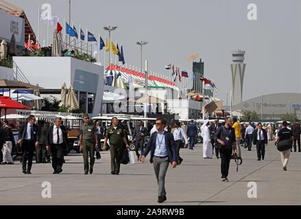 Dubai, United Arab Emirates. 17th Nov, 2019. DUBAI, UNITED ARAB EMIRATES - NOVEMBER 17, 2019: People attend the 2019 Dubai Airshow. Marina Lystseva/TASS Credit: ITAR-TASS News Agency/Alamy Live News - Stock Photo