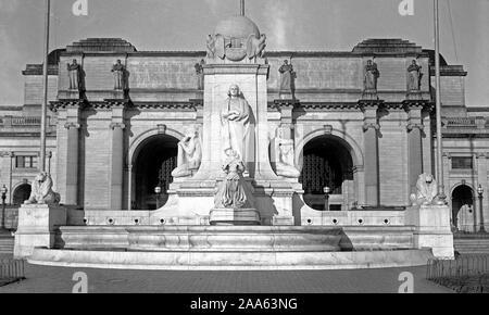 Columbus Fountain / Columbus Monument / Columbus Memorial in front of Union Station in Washington D.C. ca. 1914-1918 - Stock Photo
