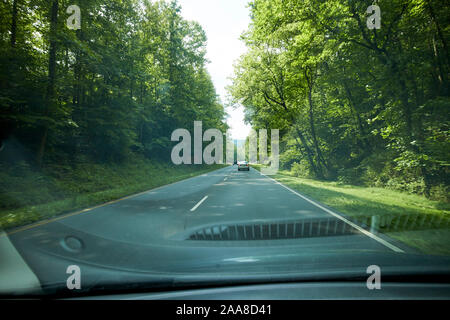 driving along parkway us 441 to great smoky mountains national park usa - Stock Photo