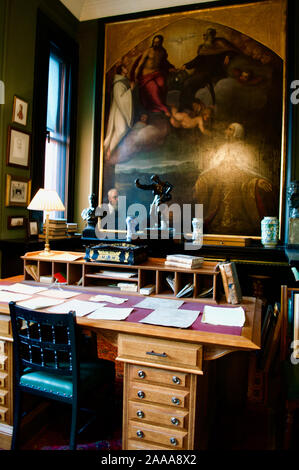 The office in Leighton House Museum in London, UK - Stock Photo