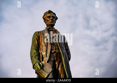 Statue of Abraham Lincoln in Edinburgh - Stock Photo