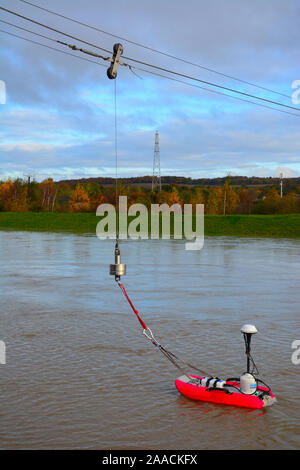 Environment Agency monitor flood waters on the River Dearne, South Yorkshire - Stock Photo