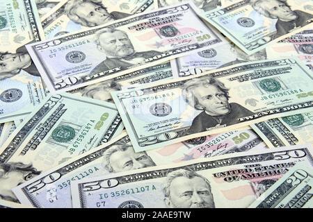 Mehrere 50 und 20 Dollarscheine - Stock Photo