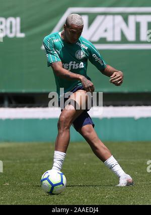 SÃO PAULO, SP - 21.11.2019: TREINO DO PALMEIRAS - Deyverson, from SE Palmeiras, during training at the Football Academy. (Photo: Cesar Greco/Fotoarena) - Stock Photo