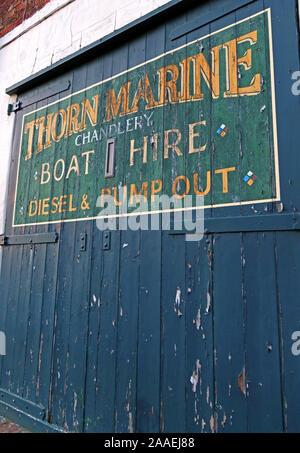Thorn Marine Chandlery Boat Hire, Diesel Pump out, Bridgewater Canal,Stockton Heath,South Warrington, Cheshire, England, UK, WA4 6LE - Stock Photo