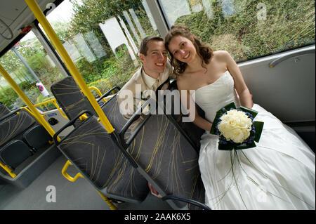 Brautpaar im Linienbus - Bridal Couple at the Bus - Stock Photo