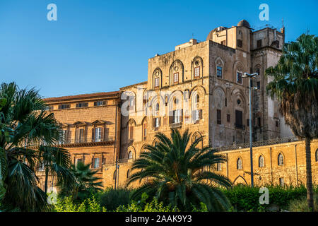 königlicher Palast Palazzo dei Normanni Palermo, Sizilien, Italien, Europa  | Royal Palace of Palermo  Palazzo dei Normanni, Palermo, Sicily, Italy, E - Stock Photo
