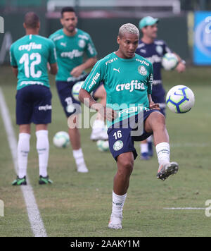 SÃO PAULO, SP - 22.11.2019: TREINO DO PALMEIRAS - Deyverson from SE Palmeiras during training at the Football Academy. (Photo: Cesar Greco/Fotoarena) - Stock Photo