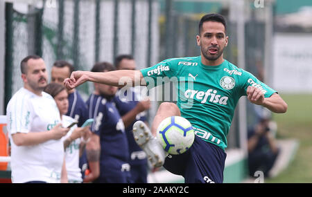 SÃO PAULO, SP - 22.11.2019: TREINO DO PALMEIRAS - SE Palmeiras player Luan during training at the Football Academy. (Photo: Cesar Greco/Fotoarena) - Stock Photo