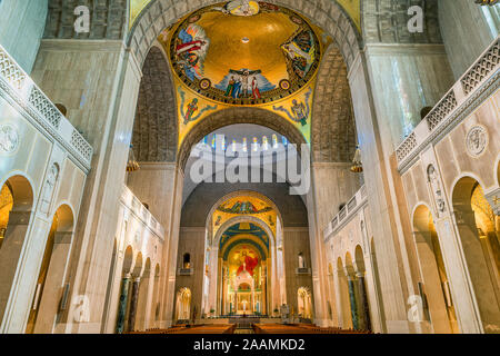 Interior, North Apse, Basilica of the National Shrine of the Immaculate Conception, Washington DC, USA. - Stock Photo