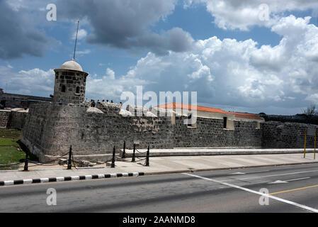 Castillo de San Salvador de la Punta, ( San Salvador castle)  a 16th century harbour fortress in the bay of  Havana, Cuba.   It was built in the late - Stock Photo