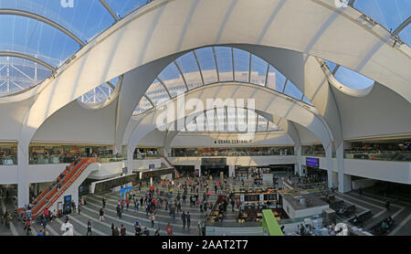Redeveloped Grand Central Birmingham, New Street Railway Station, central hub of UK rail network, West Midlands, England, B2 4QA - Stock Photo