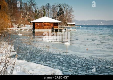 Der schoene Starnberger See bei Tutzing, Deutschland, im Winter - Stock Photo