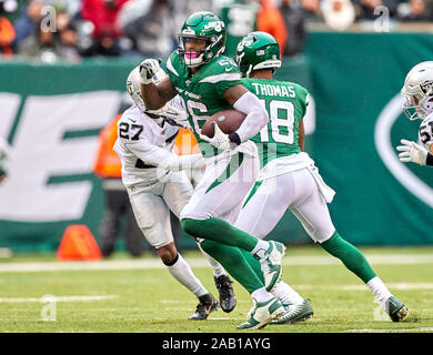 East Rutherford, New Jersey, USA. 24th Nov, 2019. during a NFL game between the Oakland Raiders and the New York Jets at MetLife Stadium in East Rutherford, New Jersey. Duncan Williams/CSM/Alamy Live News Stock Photo