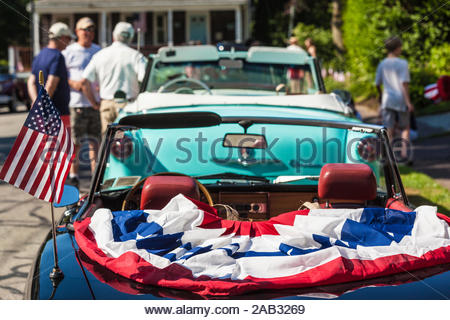 USA, New England, Massachusetts, Cape Ann, Gloucester, Fourth of July Parade, antique car, NR - Stock Photo