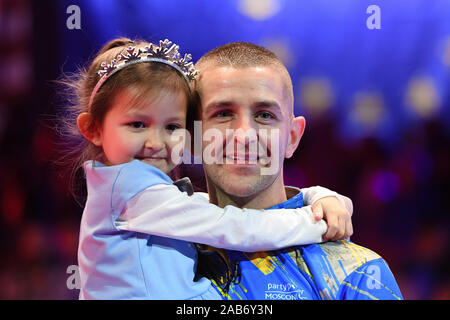 LAS VEGAS, USA. 26th Nov, 2019. Jayson Show with his Daughter during Day 1 Session of MOSCONI CUP XXVI at Mandalay Bay on Tuesday, November 26, 2019 in LAS VEGAS, USA. Credit: Taka G Wu/Alamy Live News - Stock Photo