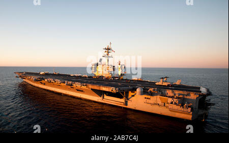 PACIFIC OCEAN (Feb. 16, 2013) The aircraft carrier USS Carl Vinson (CVN 70) is underway in the Pacific Ocean. Stock Photo