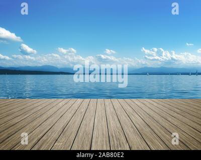 Sicht von einem Bootssteg aus auf den Starnberger See - Stock Photo