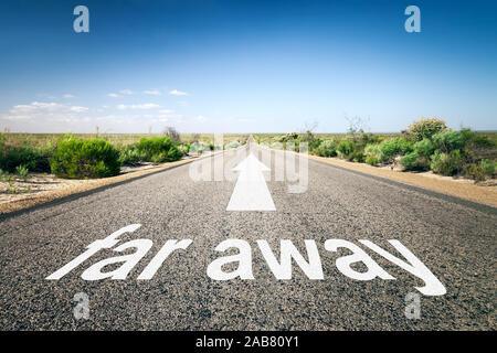 Eine unendlich lange Strasse mit der wegweisenden Aufschrift: 'far away' - Stock Photo