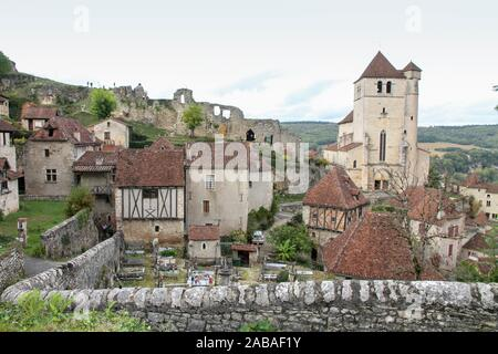 Saint Cirq Lapopie Lot one of the most beautiful villages in France. - Stock Photo