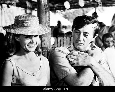 MISTER MOSES, from left, Carroll Baker, Robert Mitchum, 1965