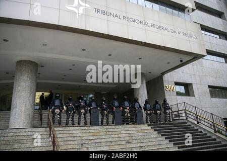 Trial of the criminal appeal of former President Luiz Inacio Lula da Silva and 10 more defendants by the 8th Panel of the Federal Regional Court of the 4th Region (TRF4). Sítio de Atibaia&#3lawsuit fot found the transfer of undue advantage by contractors OAS and Odebrecand rancher José Carlos BumlBumlai for the payment of property reforms, which would have as real owner, according to the sentence of the 13th Federal Court of Curitiba, the former President Lula. - Stock Photo