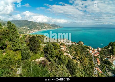 Die Küste von Taormina, Sizilien, Italien, Europa  |  Taormina coast, Sicily, Italy, Europe - Stock Photo