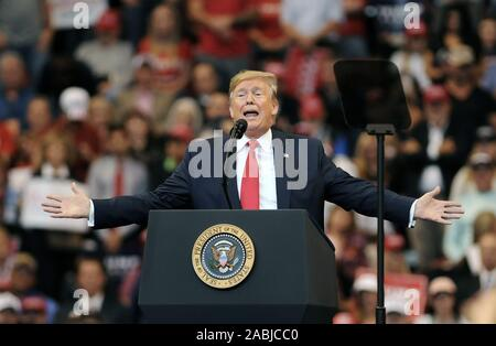 Sunrise, Florida, USA. 26th Nov, 2019. U.S. President Donald Trump speaks at a 'Florida Homecoming' rally at the BB&T Center on November 26, 2019 in Sunrise, Florida. Trump recently became an official resident of the state of Florida. Credit: Paul Hennessy/Alamy Live News - Stock Photo