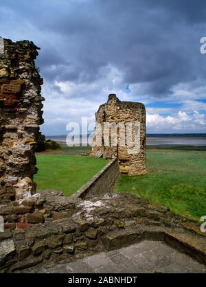 The NE corner tower of the inner ward of Flint Castle, Wales, UK, seen from the chapel of the detached SE tower (Great Tower or Donjon): begun  1277. - Stock Photo