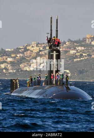 SOUDA BAY, Greece (Jan. 23, 2013) The Los Angeles-class attack submarine USS Alexandria (SSN 757) arrives in Souda Bay. Alexandria is on a scheduled deployment supporting maritime security operations and theater security cooperation efforts in the U.S. 6th Fleet area of responsibility. - Stock Photo