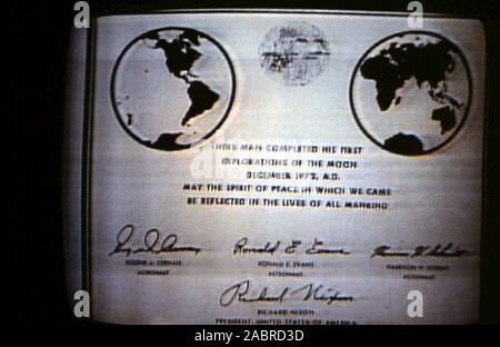 engraved expl plate Stainless steel APOLLO 11 NASA LUNAR landing plaque