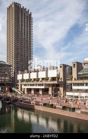 Barbican Centre, London. Lakeside view of the landmark London arts venue with its Brutalist concrete architecture. - Stock Photo