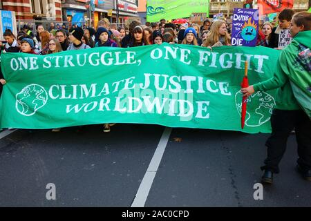 Cologne, Germany. 29th Sep, 2019. Activists marching for action on climate change and carrying signs in English and/or German to that respect. Reportedly approximately 20.000 people took part in that demonstration, Credit: hdh/Alamy Live News. people on the streets for Fridays for future - Stock Photo