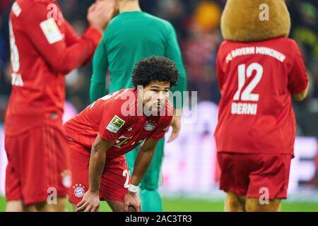 Munich, Germany. 30th Nov, 2019. Football FC Bayern Munich - Leverkusen, Munich November 30, 2019. Serge GNABRY, FCB 22 FC BAYERN MUNICH - BAYER 04 LEVERKUSEN - DFL REGULATIONS PROHIBIT ANY USE OF PHOTOGRAPHS as IMAGE SEQUENCES and/or QUASI-VIDEO - 1.German Soccer League, Munich, November 30, 2019 Season 2019/2020, matchday 11, FCB, München Credit: Peter Schatz/Alamy Live News - Stock Photo