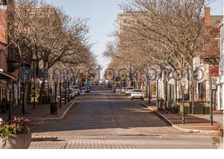 New Bedford, Massachusetts, USA - November 9, 2019: Lull in the traffic shows Union Street sloping down to the New Bedford waterfont - Stock Photo