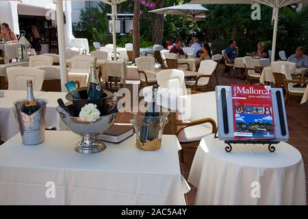 Fine garden restaurant, Cala D'Or, Mallorca, Balearic islands, Spain - Stock Photo