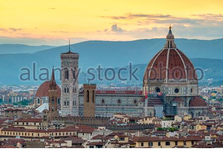 Florence Cathedral (Duomo di Firenze) and buildings in the old town at sunset, Florence (Firenze), Tuscany, Italy, Europe.