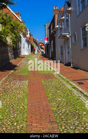 England, East Sussex, Lewes, Keere Street and Houses - Stock Photo