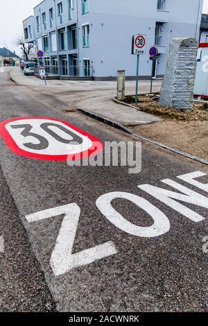 Tempo 30 zone in the city - Stock Photo