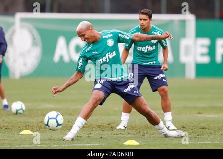 Sao Paulo, Brazil. 03rd Dec, 2019. Deyverson during training of Palmeiras held at the Football Academy located in the neighborhood of Barra Funda in Sao Paulo (SP). Credit: Foto Arena LTDA/Alamy Live News - Stock Photo
