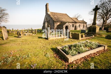 St. Peter's Church, Heysham, Lancashire, England. The grade 1 listed historic building overlooking Morecambe Bay in the Lancashire village of Heysham. - Stock Photo