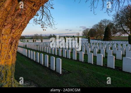 Cabaret-Rouge British war cemetery in Souchez, near the French National War Cemetery at Notre-Dame-de-Lorette - Ablain-Saint-Nazaire - Stock Photo